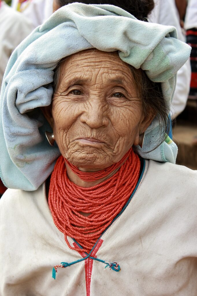 lua tribe, old, smile